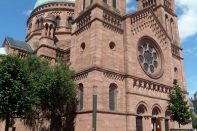 Découverte D'une église Strasbourgeoise Au Style éclectique