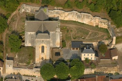Découverte De L'abbatiale De Saint Amand-de-coly Et Fouilles Archéologiques De L'enclos Monastique à Saint Amand de Coly