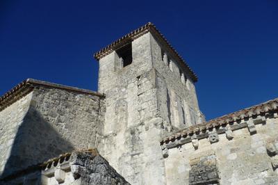 Découverte De L'église Saint-pierre à Le Bourg