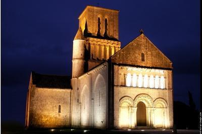 Découverte De L'église, Siège D'un Ancien Prieuré Bénédictin à Corme Ecluse