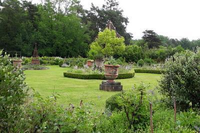 Découverte De La Chartreuse Et De Ses Jardins à Paunat
