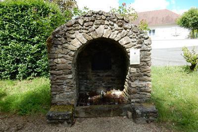 Découverte De La Fontaine Sainte-radegonde à Saint Sornin Lavolps