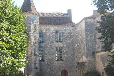 Découverte Du Château De Roquefère à Monflanquin