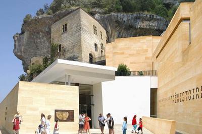 Découverte Libre Du Musée National De La Préhistoire à Eyzies de Tayac Sireuil