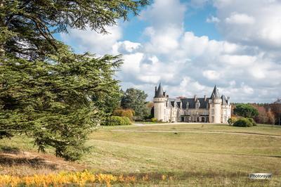 Découvrez L'histoire D'un Château Du XVe Siècle, Entièrement Remanié Et Modernisé Au XIXe Siècle à Saint Priest Taurion