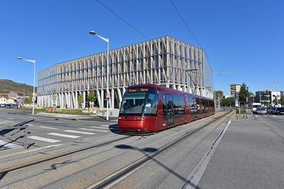 Découvrez L'hôtel De Région De Clermont-ferrand à Clermont Ferrand