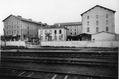 Découvrez La Gare Et Son Quartier à Bergerac