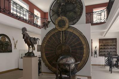 Découvrez La Grande Collection D'objets Décoratifs Du Musée à Strasbourg