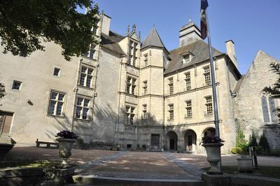 Découvrez Le Château Des Comtes De La Marche à Gueret