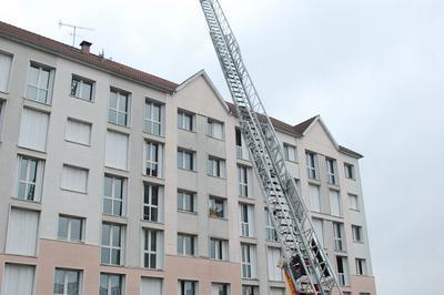 Démonstration D'une Action Avec L'échelle Pivotante Automatique à Troyes