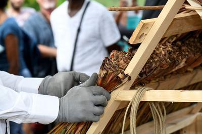 Démonstration De Tressage Bois Et De Paille De Canne à L'habitation La Sucrerie à Les Anses D'arlet