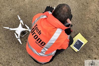 Démonstration De Vol D'un Drone à Auch