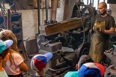 Démonstrations De Savoir-faire Au Coeur Des Anciens Moulins Du Village à Pinsot