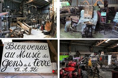 Démonstrations Sur La Technique Du Torchis Et La Fabrication De Cordes À L'ancienne à Huppy