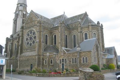 Eglise St Sauveur à Bouvron
