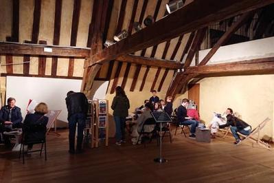 Espace De Consultation Libre De Livres D'art Et De Revues à Beauvais