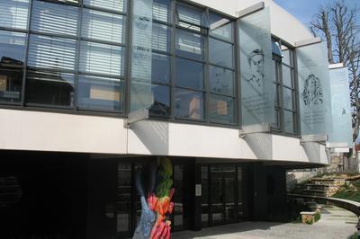 Exposition à La Médiathèque Germaine-tillion, Redécouvrons Cyrano ! à Saint Maur des Fosses