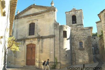 Exposition Art Dans La Nef Organisée Par Les Amis De L'Église De La Cité Médiévale (aecm) à Vaison la Romaine