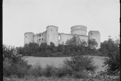 Exposition Coucy Avant 1917 à Coucy le Chateau Auffriqu