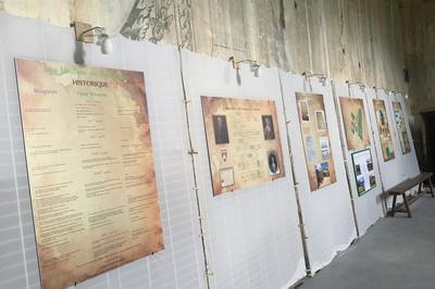 Exposition D'archives Historique. à Roiffieux