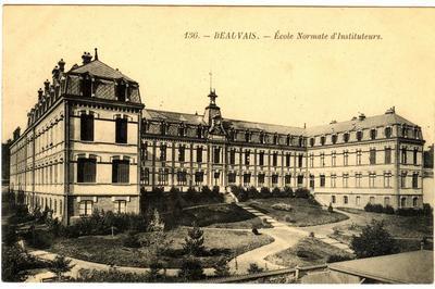 Exposition «les Lycées En Cartes Postales» à Beauvais