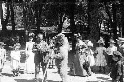 Exposition Sur Le Métier De Montreurs D'ours à Erce