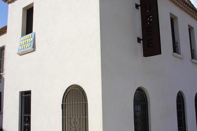 Historique De L'ancienne Maison Seigneuriale à Chateauneuf les Martigues