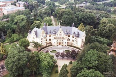 Hôtel De Commandement Du Gouverneur Militaire De Metz Et 3e Régiment De Hussards