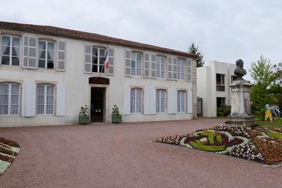 Hôtel De Ville à Lucon