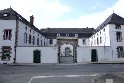 Hôtel Particulier Bourasseau De La Renolière Xviii° Siècle à Cholet