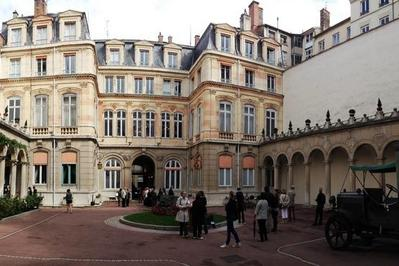 Hôtel Vitta, Hotel Du Gouverneur Militaire De Lyon.