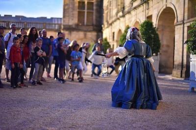 Immersion Costumée Dans La Vie D'un Château En Périgord à Hautefort