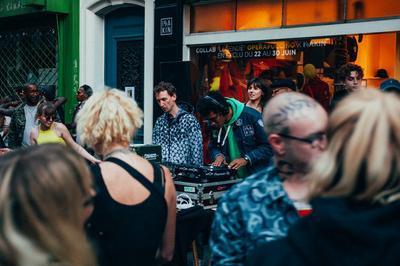 Isakin Block Party à Paris 18ème