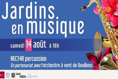 Jardins en musique - NECT4R  percussion et le chef d'orchestre de Doullens à Saint Riquier