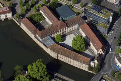 L'ena à Strasbourg : La Commanderie Et Son Extension