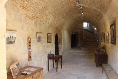 L'entrée Xv Du Chateau De Flamarens