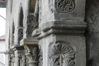L'hôtel De La Monnaie Et Les Maisons De Figeac Au Moyen Âge