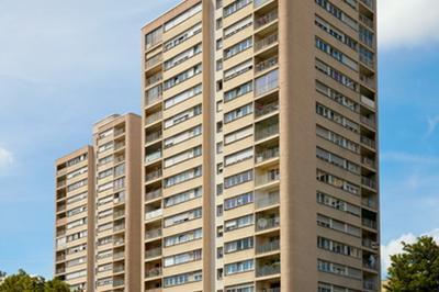 L'hôtel-de-ville : Un Exemple D'architecture Des Trente Glorieuses, Voulue Par Hoffmann Et Jean De Mailly à Rosny Sous Bois