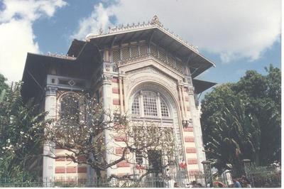 La Bibliothèque Schoelcher à Fort De France