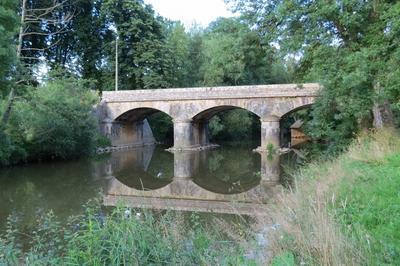 La Légende Du Canal De Monsieur à Saint Lambert du Lattay