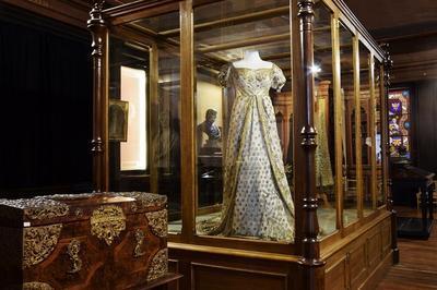 La Salle D'eckmühl : Un Voyage Au Coeur Du Xixème Siècle à Auxerre