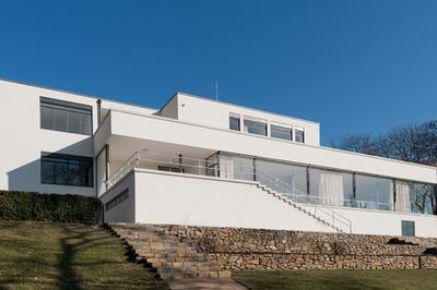 La Villa Tugendhat De Mies Van Der Rohe à Vezelay