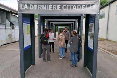 « Chroniques De La République » à Langres