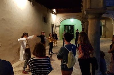 « Savoir Faire »  Visite Guidée Théâtralisée Par La Compagnie L'occasion à Besancon