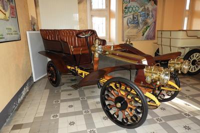 Le Musée De L'automobile Henri Malartre à Rochetaillee sur Saone