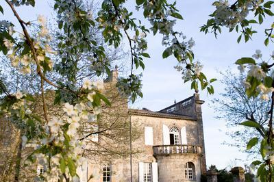 Le XIIe Siècle Au Château à Lussac