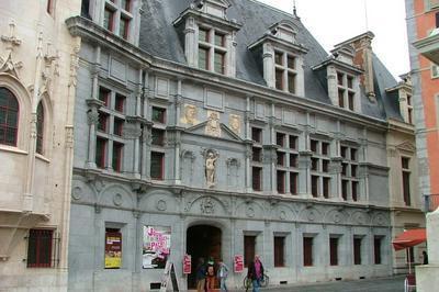 Les Ateliers D'artizz' S'installent Au Coeur Historique De Grenoble.