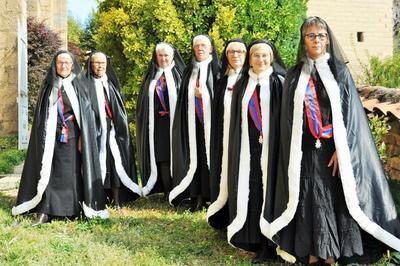 Les Chanoinesses De Neuville-les-dames à Neuville les Dames