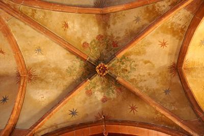 Les Clés De Voûte De L'église Saint-pierre-le-jeune à Strasbourg