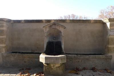 Les Fontaines Et Lavoirs à Saint Cannat